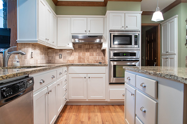 beautiful new white kitchen cabinets